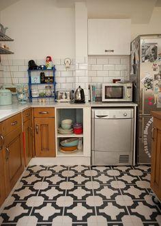 Uma casa apaixonante em Londres - forno e máquina de lavar louças