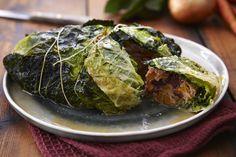 Chou vert farci #AuchanEtMoi #auchan Baked Potato, Cabbage, Potatoes, Marmite, Baking, Vegetables, Ethnic Recipes, Food, Stuffed Cabbage Leaves