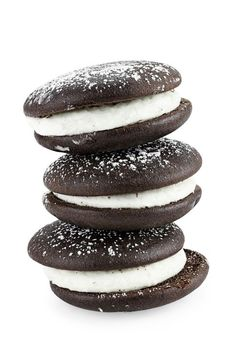 You can buy whoopie pies online right now! Order Maine whoopie pies that are baked fresh daily and shipped to you. World Recipes, Gourmet Recipes, Baking Recipes, Dessert Recipes, Desserts, Somoa Cake, Chocolate Brownies, Chocolate Cakes, Pie 5