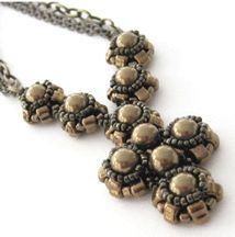 Vintage Rounds Pendant Patterns  http://www.bead-patterns.com/shop/shop.php?method=itemnumber&keywords=16639