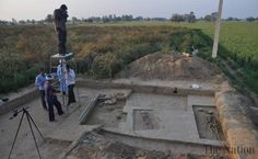 Archaeologists in India say they have unearthed four human skeletons dating back to the oldest civilization in the subcontinent. The ancient Harappan civilization dates back around 4,000 years and was first discovered at Mohenjo Daro, in what is now Pakistan in the 1920s.