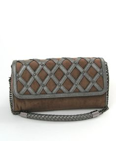 Tough - yet elegant - vegan clutch