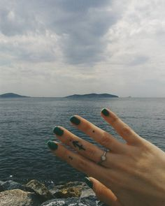 İyi haftalaaar. Bu pazartesiye perşembenin tatil olması motivasyonuyla başlıyoruz. #Morning #coffee #monday #hatemondays #yüzük #ring #nail #henna #tattoo #hennatattoo #handmade #handcraft #handwork #elişi #elemeği #elyapımı #elyapimi #vsco #igers #likeforlike #like4like #boho #bohem #istanbul #island #halki #kinaliada #travel #blog
