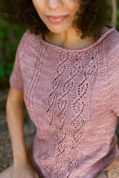 Ravelry: Olivette short-sleeved pullover pattern by Thea Colman Summer Knitting, Easy Knitting, Knitting Yarn, Crochet Cardigan, Knit Crochet, Poncho Knitting Patterns, Knit Fashion, Lace Sleeves, Pulls