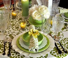 what a lovely table setting!  :)