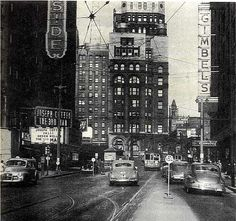 Looking East on Wisconsin Ave., Riverside Theater left, Pabst bulding center, Gimbel's right. 1949