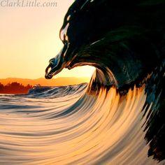Nieuws is de hoge golven, een verzameling van informatie.....