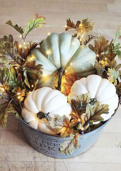 Illuminated autumn pumpkin basket - clean and fragrantDIY illuminated pumpkin basket. Galvanized metal bucket filled with pumpkins, autumn leaves and mini lights.Lots of Waters DIY Fall Decor Falling Leaves; Autumn Decorating, Decorating Ideas, Decorating With White Pumpkins, Primitive Fall Decorating, Porch Decorating, Pumpkin Lights, Deco Floral, Fall Home Decor, Fall Table Decor Diy
