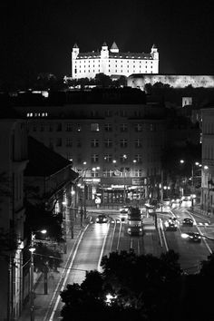 no color this time, just pure black & white Bratislava Castle