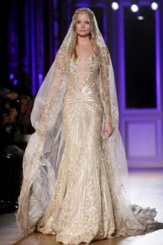 A wedding gown for the future queen in the north: Zuhair Murad Haute Couture Spring Summer 2012 Paris. Let's hope there's reincarnation - I need to come back rich tall and skinny Zuhair Murad, Wedding Dress With Veil, Beautiful Wedding Gowns, Wedding Dresses, Prom Gowns, Wedding Outfits, Dress For You, Dress Up, Play Dress