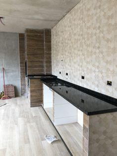 Kitchen Cupboard Designs, Kitchen Room Design, Kitchen Sets, Kitchen Interior, Village House Design, House Gate Design, Dirty Kitchen, Build Outdoor Kitchen, Small Backyard Pools