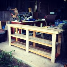 DIY Sofe Table or Entry Table. Would also be a great plant stand/buffet for the patio too. more info watch here : http://roundpatiotable.net