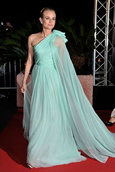 Fashion darling Diane Kruger definitely didn't disappoint in this dramatic aqua Giambattista Valli gown at the Cannes Film Festival Opening Ceremony.