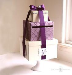 Cute card box. Like the pedestal.