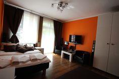 Apartament Pomarańczowy Sypialnia http://www.rainbowapartments.pl/apartament-pomaranczowy/