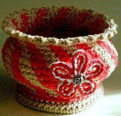 Fuente: http://josettacay.tumblr.com/post/52770579583/i-love-sculpting-with-crochet