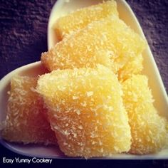 Easy Yummy Cookery: Cassava Pudding [Mauritian Recipe] - gonna try this w/sugar sub! Cassava Recipe, Cassava Cake, Pudding Recipes, Dessert Recipes, Baking Desserts, Easy Desserts, Mauritian Food, Gluten Free Treats, Healthy Treats