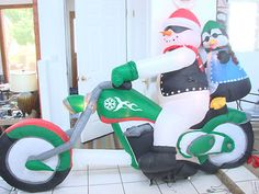 9' CHRISTMAS SNOWMAN ON CHOPPER MOTORCYCLE INFLATABLE AIRBLOWN YARD DECORATION