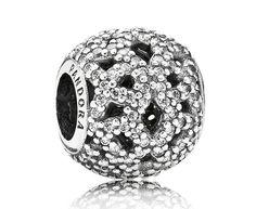 Pandora opengewerkte bedel zilver 'glinsterend kant' 791284CZ . De fonkelende opengewerkte kanten bedel is prachtig decoratief. Deze bedel is gemaakt van zilver. Het heeft een mooie kanten design en is versierd met fonkelende zirkonia steentjes. https://www.timefortrends.nl/sieraden/pandora.html