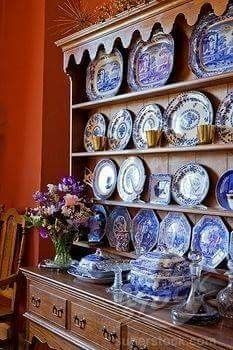 Antique Welsh dresser filled with a collection of blue and white plates. Blue And White China, Blue China, Welsh Dresser, Oak Dresser, Kitchen Dresser, Kitchen Backsplash, White Dishes, White Plates, English Country Style