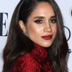 """Meghan Markle Has a """"Casual Wednesday"""" in Gorgeous Dolce & Gabbana Dress and Aquazzura 'Matilde' Heels at ELLE's Women in Television Celebration Meghan Markle Hair, Harry And Megan Markle, Meghan Markle Prince Harry, Prince Harry And Megan, Meghan Markle Style, Megan Markle Makeup, Principe Henry, Mixed People, Prinz Charles"""