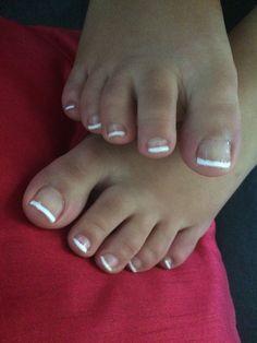 Pied ongle gel beauté femme classique french blanche