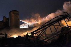 Varios muertos en una explosión de una fábrica de fertilizantes en Texas - RTVE.es http://www.rtve.es/noticias/20130418/estados-unidos-vive-semana-negra-justo-aniversario-varias-matanzas/642980.shtml