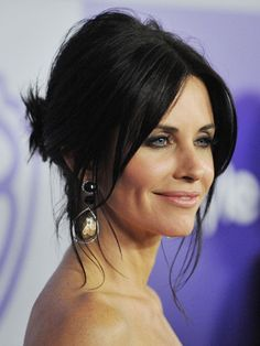Pretty updo, middle part Courtney Cox