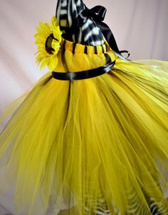 I want this for my flower girl (my niece) so bad!!!!!!! Wish I could figure out how to make it!!!! Bright Sunflower Tulle Tutu Dress  For Babies by ThisRandomShop, $50.00