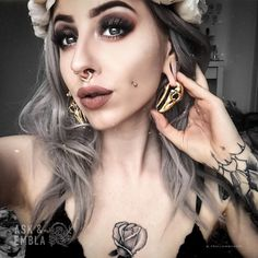 Daxon Raven Skull Hangers in Brass. High Quality Brass Ear Jewellery at great prices online. Makeup Train Case, Makeup Case, Hair Makeup, Goth Beauty, Grunge Hair, Body Mods, Ear Jewelry, Makeup Revolution, Her Style