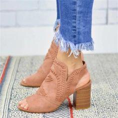 Medium Thin Hair, Little Girls Coats, Latest Fashion For Women, Womens Fashion, British Style, British Fashion, Open Toe Booties, Summer Shoes, Cute Shoes