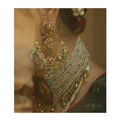 Indian Jewelry Earrings, Jewelry Design Earrings, Gold Earrings Designs, Gold Jewellery Design, India Jewelry, Indian Wedding Jewelry, Gold Jewelry, Indian Bridal, Necklace Designs