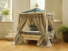 Peticula Versailles Bed