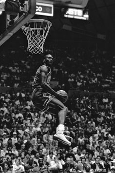 The GOAT in a dunk contest during all star weekend.
