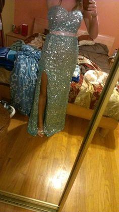 It's like Elsa's in Frozen! Sparkly Blue La Femme Prom dress size 0