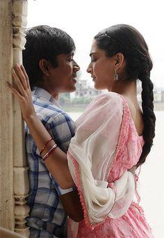 Dhanush and Sonam Kapoor in Raanjhanaa Film Images, Actors Images, Cute Celebrity Couples, Cute Couples, Movie Couples, Romantic Couples, New Photos Hd, Lakme Fashion Week 2015, Crazy Celebrities