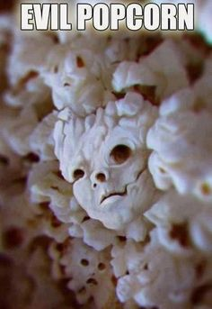 Find images and videos about funny, creepy and popcorn on We Heart It - the app to get lost in what you love. Funny Cute, Hilarious, Scary Funny, Image Gag, Things With Faces, Scary Things, Weird Facts, Funny Faces, Creepy Faces