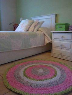 alfombra-tejida-a-crochet-con-tiras-de-tela-totora_MLA-O-116432284_6420.jpg 375×500 píxeles