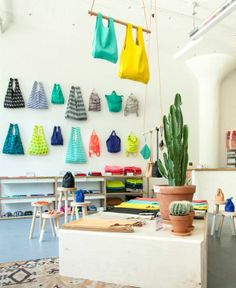 Baggu: bright colors and cheerful patterns to hold everything from groceries to your everyday supplies.