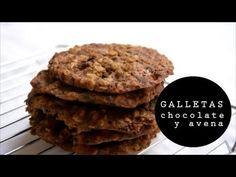 Hola cocinillas hoy veremos Cómo hacer unas galletas cookies integrales con chocolate y copos de avena. Son unas galletas…