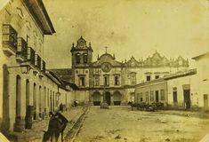 Largo do Capim, atual Largo do Ouvidor, com a Igreja de São Francisco ao fundo Ano: 1862 Autor: Militão Augusto de Azevedo