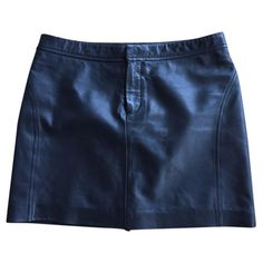 Pre-owned mm6 Black Leather Skirt ($171) ❤ liked on Polyvore featuring skirts, black, women clothing skirts, leather skirts, knee length leather skirt, real leather skirt, leather zipper skirt and genuine leather skirt