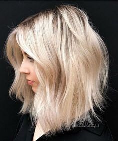 Mind Blowing Shoulder Length Blonde Hairstyles for Women to Make You Look More Fascinating Short Hairstyles For Women, Diy Hairstyles, Amazing Hairstyles, Blonde Hairstyles, Hairstyle Ideas, Shoulder Length Hair Blonde, Medium Hair Styles, Short Hair Styles, Champagne Blonde Hair