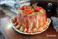 Keskonmangemaman?: Compile moi un menu , mai en fraise et en fleur, charlotte aux fraises