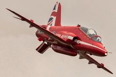 Raf Red Arrows, Fighter Jets, Pictures, Planes, Great White Shark, Photos, Grimm