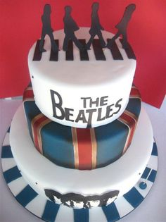 The Beatles cake - make them standing up
