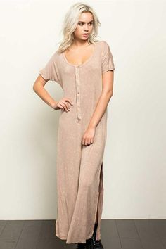 it back and relax in this henley knit maxi dress with short sleeves. Features a Very flowy fit perfect for long road trips or days when you need a simple yet chic wardrobe solution.  This is an editors pick for its classic henley style
