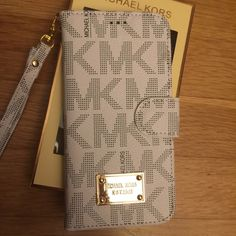 MK WALLET Case IPHONE 6/6s Fast shipping Michael Kors Accessories