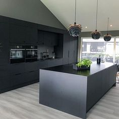 New Kitchen Designs, Kitchen Room Design, Interior Design Kitchen, Black Bedroom Design, Bathroom Design Luxury, Black Kitchens, Home Kitchens, Living Room Decor Fireplace, Modern White Living Room