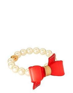 Red bow + pearl bracelet